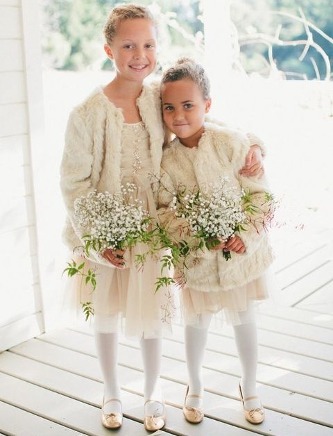 27 Winter Flower Girl Outfits To Keep Them Warm And Stylish ...