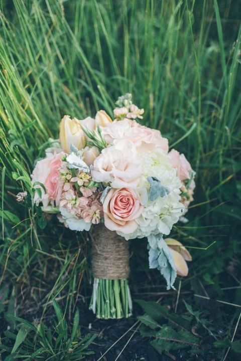50 enchanting pastel wedding bouquets for Pastel colored flower arrangements