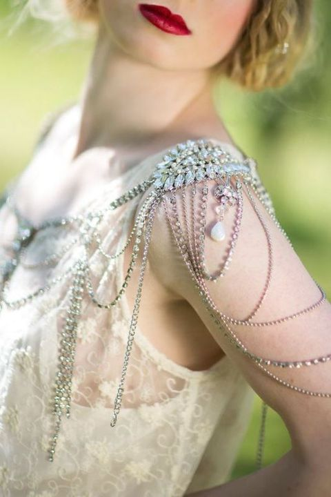 shoulder_jewelry_27