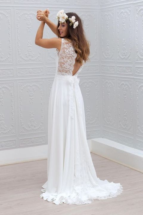 simple flowy wedding dress