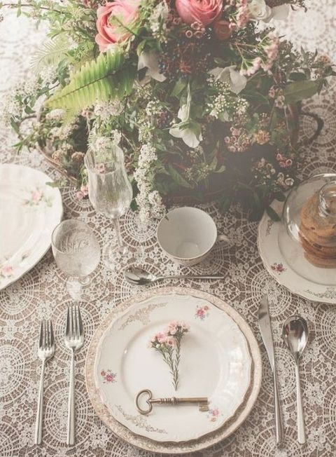 & 44 Refined Vintage Wedding Table Settings | HappyWedd.com