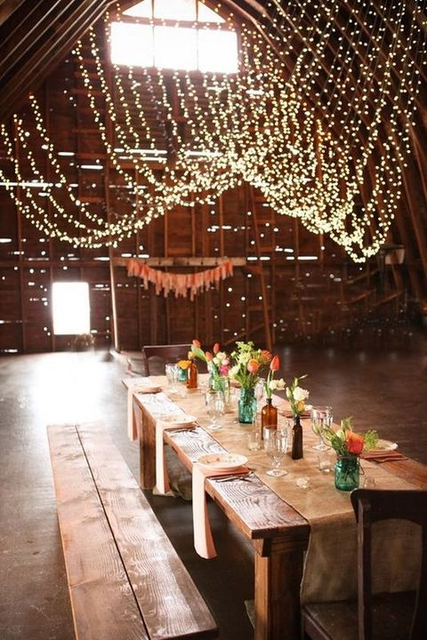 barn_wedding_lights_08