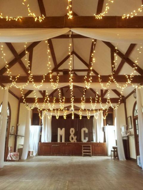 barn_wedding_lights_10