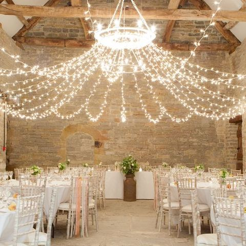 barn_wedding_lights_11
