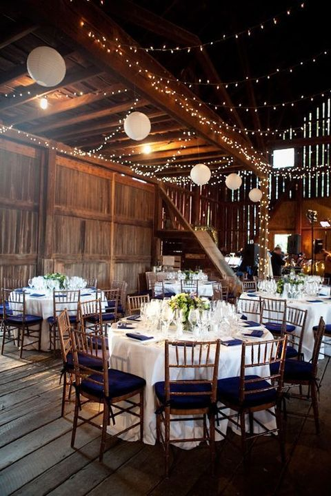 barn_wedding_lights_12