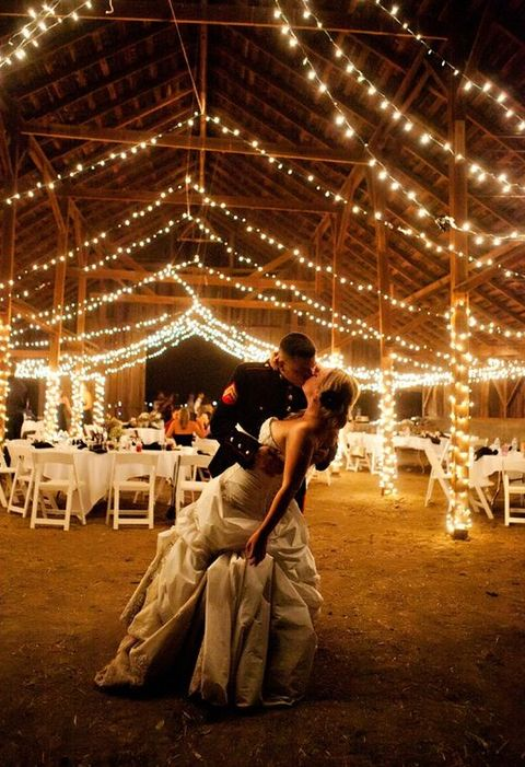 barn_wedding_lights_13