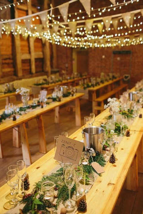 barn_wedding_lights_18