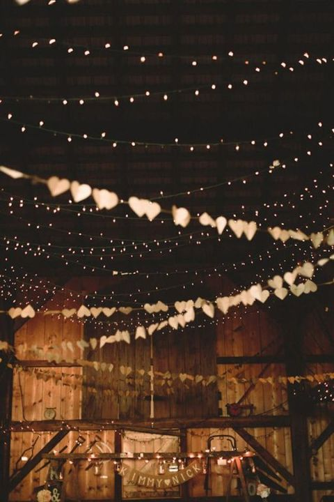 barn_wedding_lights_23