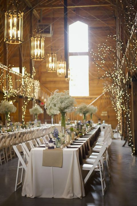 barn_wedding_lights_25