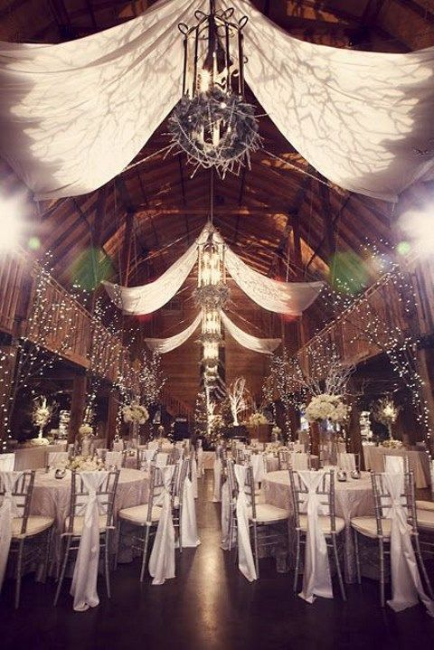 barn_wedding_lights_26