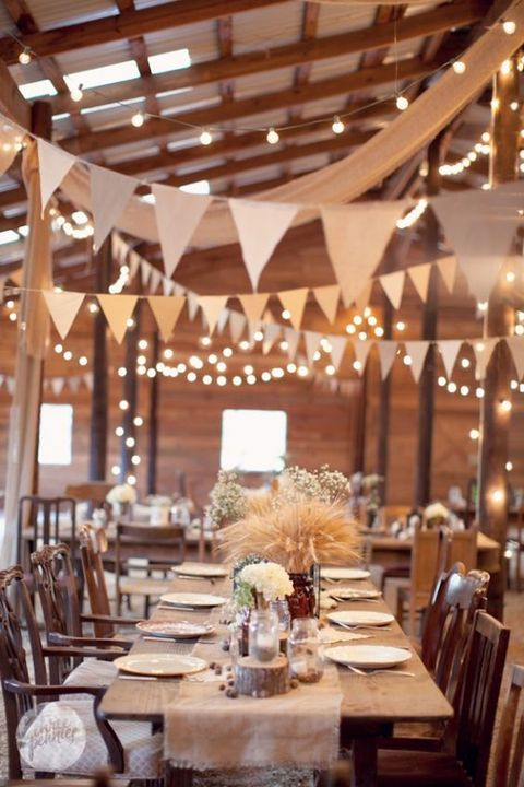 barn_wedding_lights_30