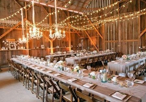 barn_wedding_lights_32