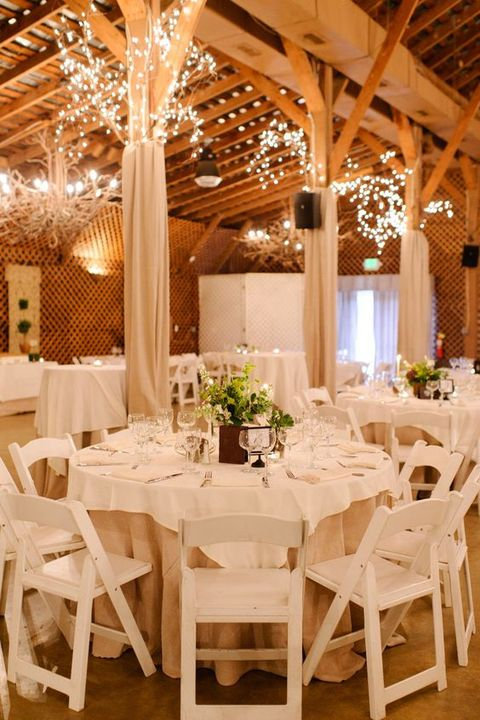 barn_wedding_lights_37