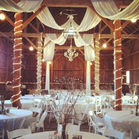 barn_wedding_lights_41