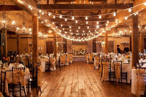 barn_wedding_lights_54