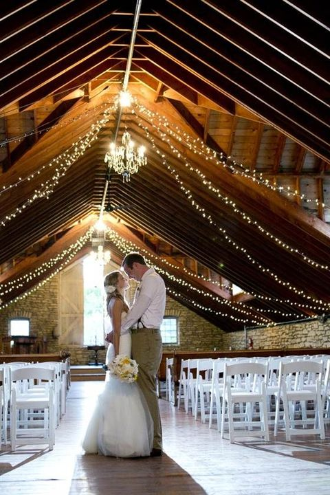 barn_wedding_lights_61