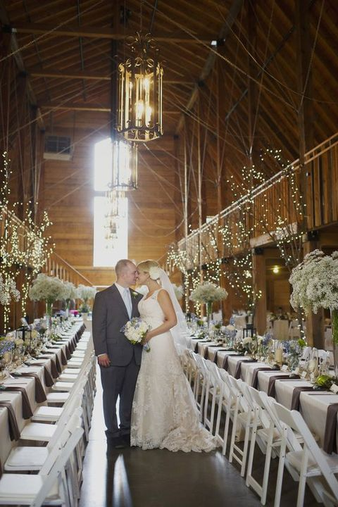 barn_wedding_lights_70