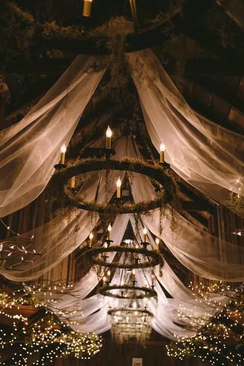 barn_wedding_lights_71