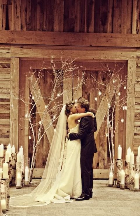barn_wedding_lights_72
