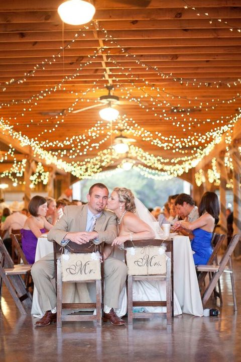 barn_wedding_lights_73