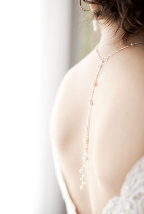 back_necklace_05