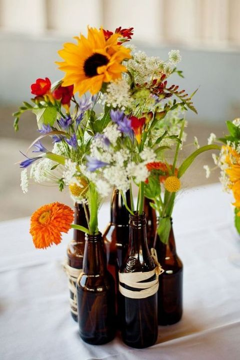 52 Cute And Simple Backyard Wedding Centerpieces | HappyWedd.com