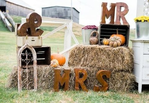 75 Rustic Fall Wedding Ideas You\'ll Love | HappyWedd.com