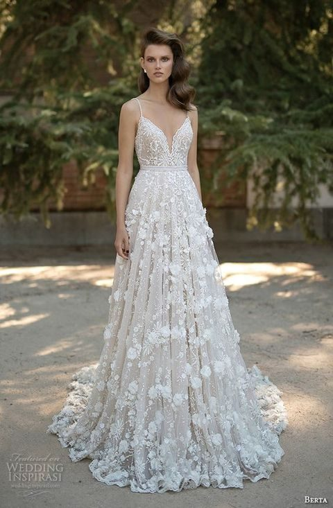 48 Gorgeous Applique Wedding Dresses  HappyWedd.com