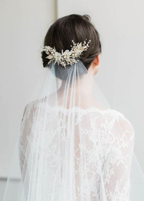 Winter Wedding Hair Guide: 48 Tips And Examples