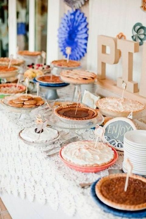 pie bar with toppers that say about fillings