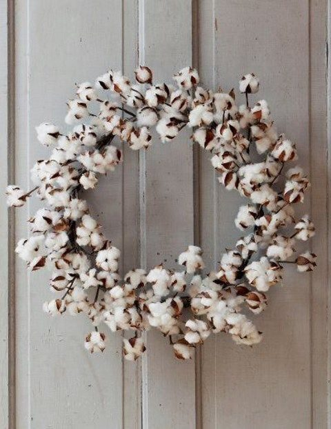 cotton wreath for cozy weddign decor