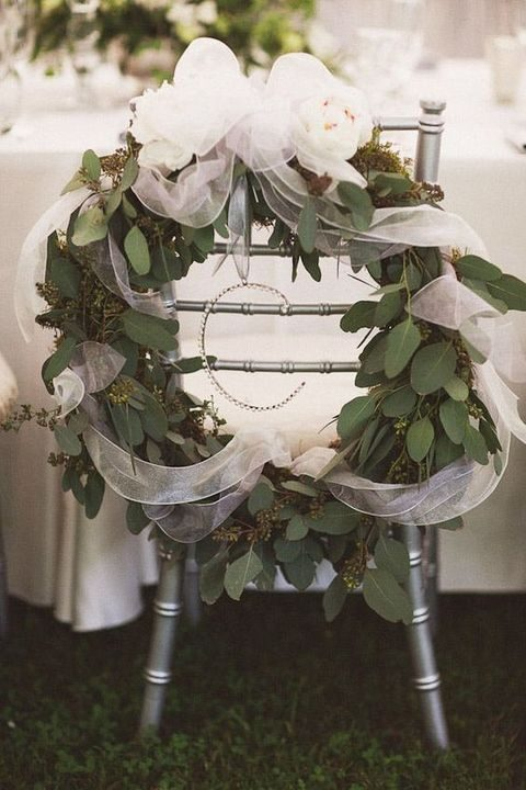 eucalyptus wreath with white tulle for a winter wedding
