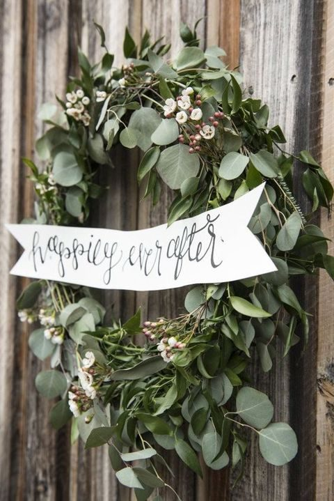 leaf wedding wreath with berries and white flowers