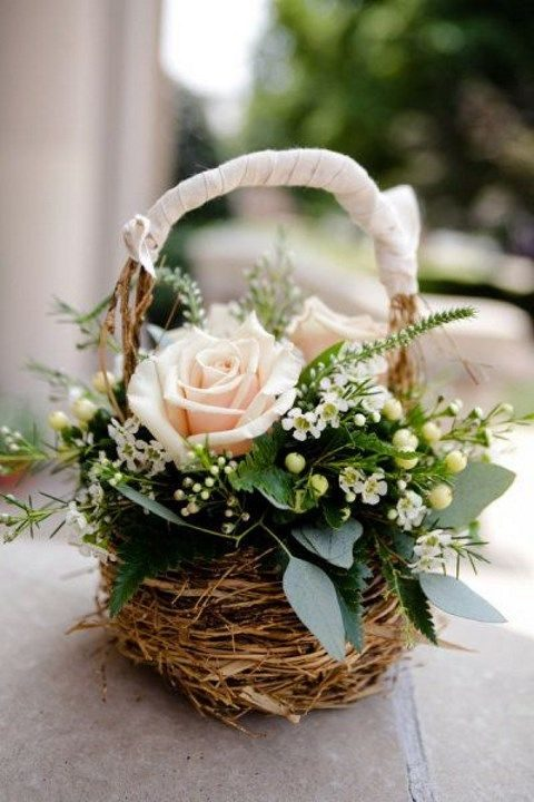 116cbf864 27 Cutest Flower Girl Baskets | HappyWedd.com