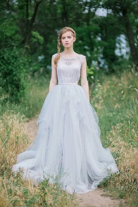 38 stunning layered tulle wedding dresses for Tulle skirt wedding dresses