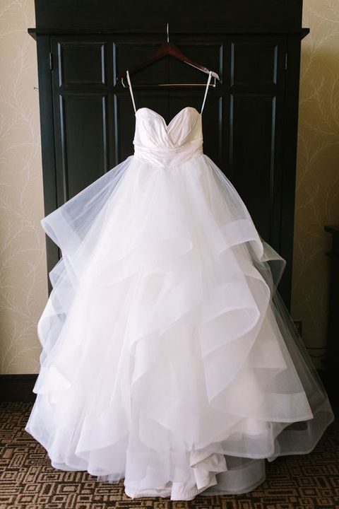 38 stunning layered tulle wedding dresses for Tulle layered wedding dress