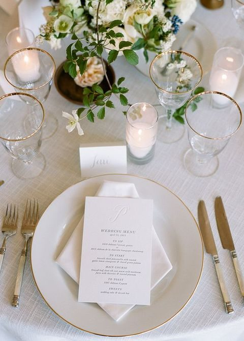classic ivory and gold tablescape