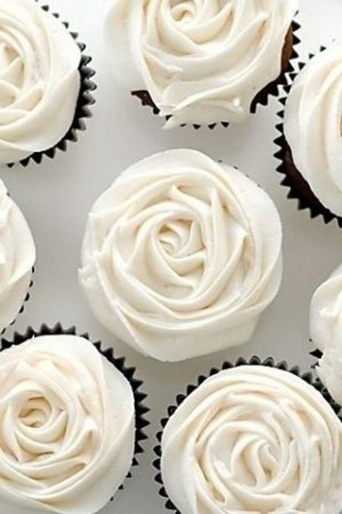 ivory rose cupcakes