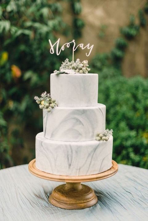 simple marble cake with greenery and flowers