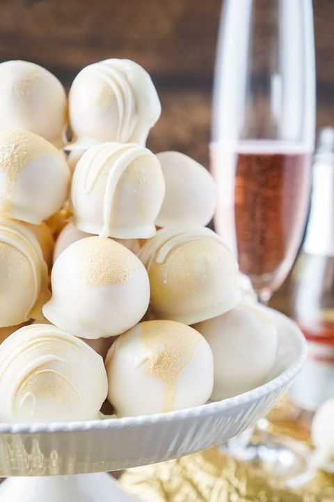 white strawberry truffles