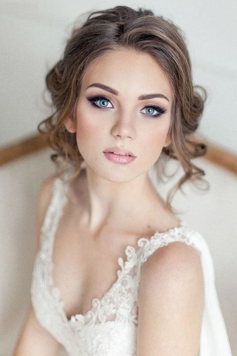 beautiful makeup with smokey eyes