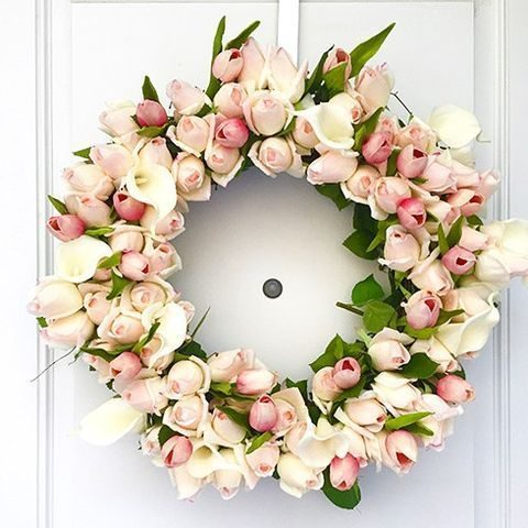 blush and pink tulip wreath