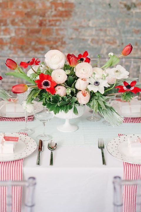 blush and red table decor