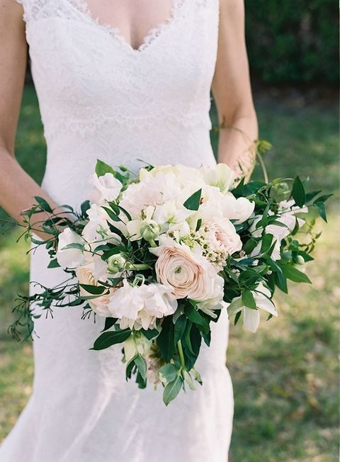 chic neutral bouquet is ideal for spring