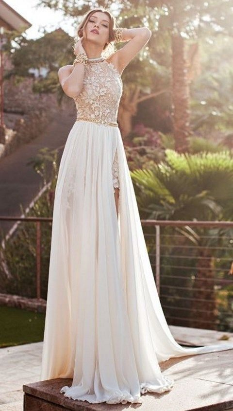 3e949105a9 convertible wedding dress with a tulle skirt and a slit on it