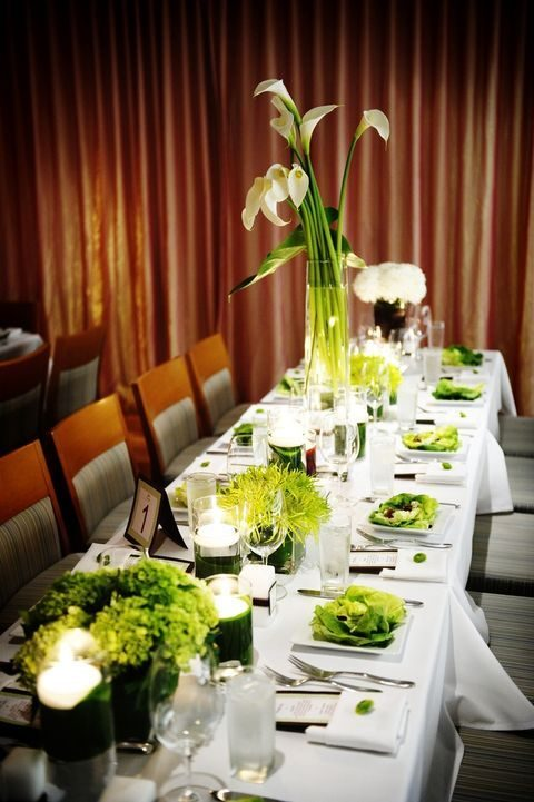 greenery centerpieces and other touches for the wedidng table