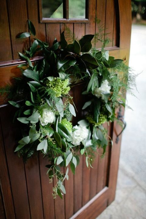 leaves and white flowers wreath