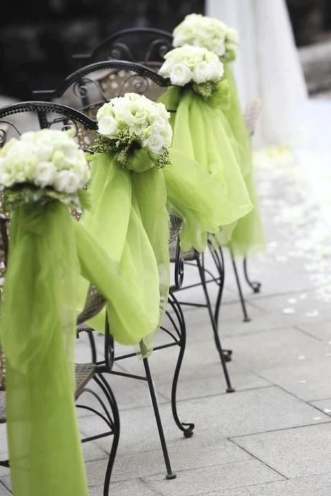 lime tulle with ivory flowers for aisle decor