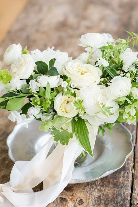 neutral classic spring wedding flowers