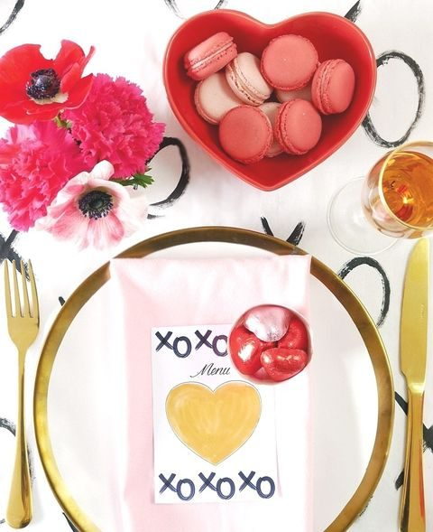 pink and gold table setting with hearts and XO